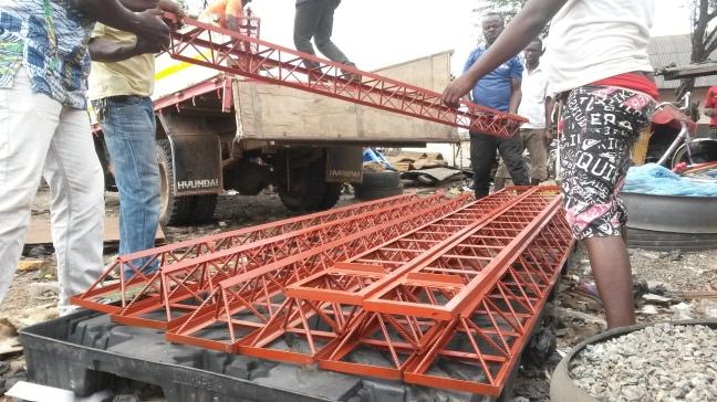 1 octet truss truck offloading