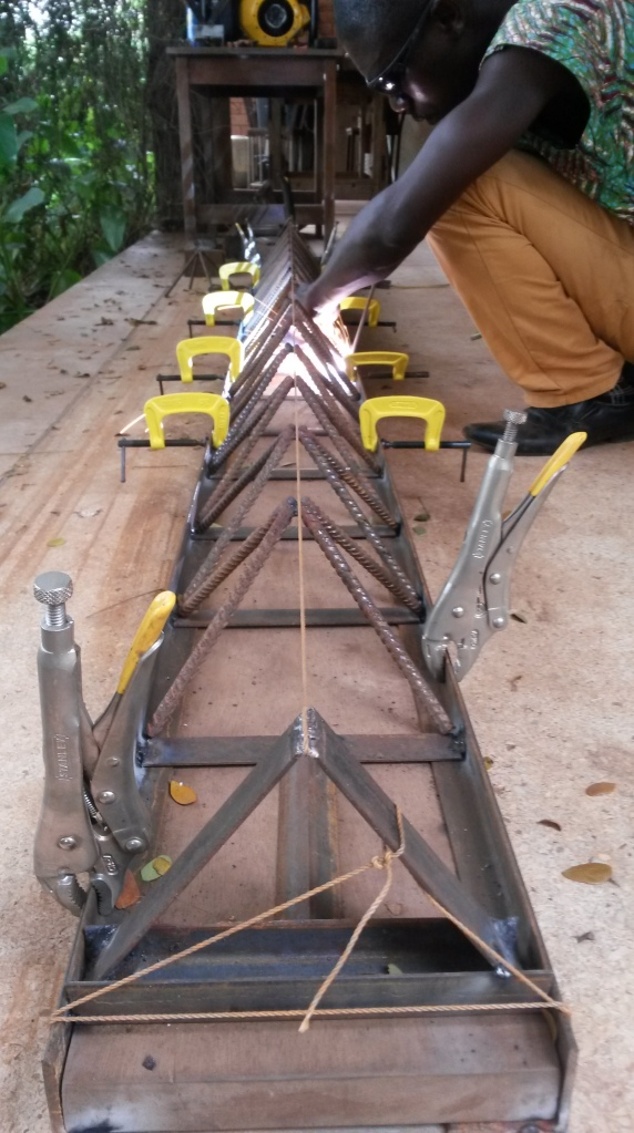 6 weld pyramid chain into 2d ladder truss