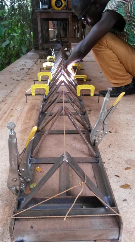6 weld pyramid chain into 2d ladder truss